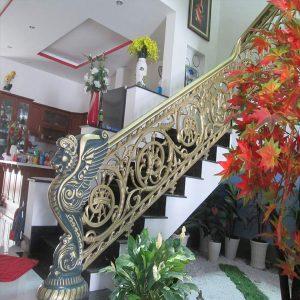 Cau Thang Hop Kim Nhom